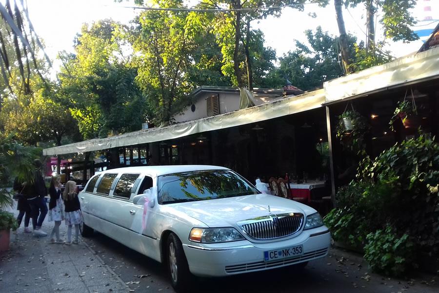 Poročna limuzina